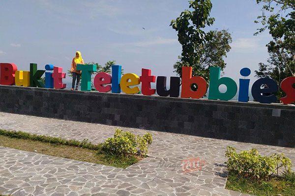 Bukit Teletubbies Prambanan