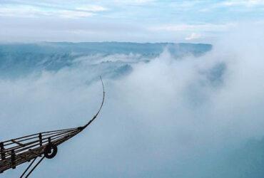 Spot Foto Berlayar di Atas Awan – Jurang Tembelan