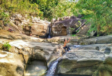 Potret Cantik Air Terjun Luweng Sampang