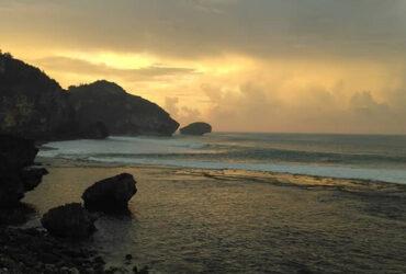 Pantai Drini – Pantai Tenang di Gunung Kidul