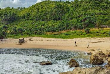 Indahnya Pantai Kayu Arum Gunung Kidul