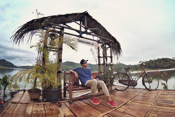 taman bambu ari