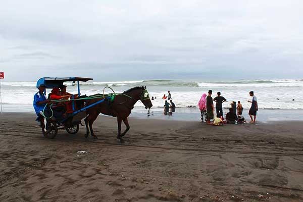 Wisata Pantai Prangtritis
