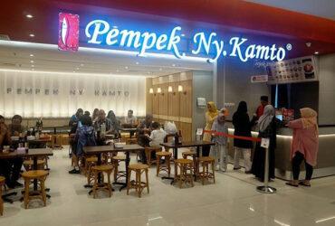 Pempek Ny. Kamto Rumah Makan Seperti Rumah Sendiri dengan Cita Rasa Palembang