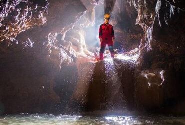 Menyusuri Goa Cerme dengan Berbagai Kejutan Alam di Dalamnya